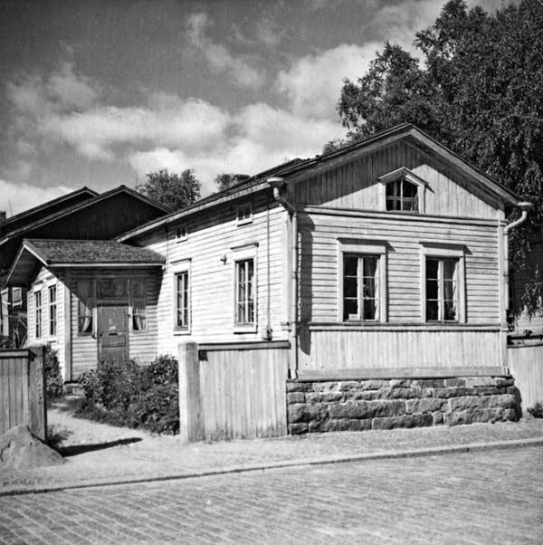 Sparvinin talo kuvattuna 1950-luvulla. Kuva: Keski-Suomen museo.